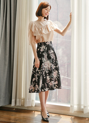 <b><FONT color=#980000>CodySET 10%</font></b> <br> Couture Frill Line Tencel Glossy Blouse + <br> Delka Flower Linen Flare Skirt