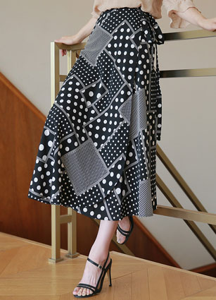 Multi-dot long lap skirt <br> (Same day shipping)