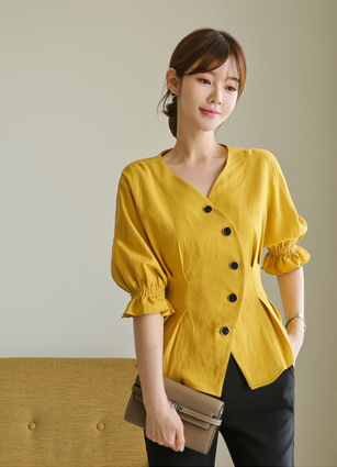 Button Linen Pinteok Blouse <br> (Broadcast sponsorship)