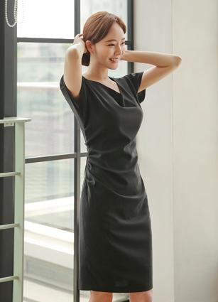 Leel Unbale Neckline Slim Shirring One-piece dress (S, M, L) <b><FONT color=#980000>[35% discount]</font></b> <br>