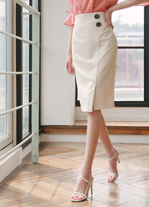 Lidea Button Skirt (S, M) <br> (Broadcast sponsorship)