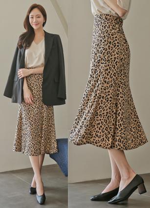 Prow Leopard Skirt