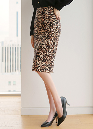 Robe HLine Leopard Skirt (S, M, L) <br>