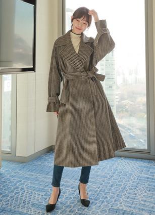 <b><FONT color=#980000>Premium handmade</font></b> <br> Prague Check Handmade Coat