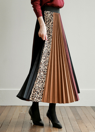 Adele Line Pleated Velvet Skirt