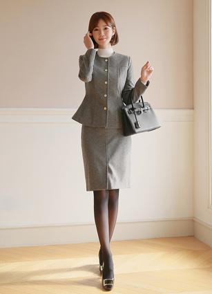 <b><FONT color=#980000>CodySET13,000 discount</font></b> <br> Bael Flare Jacket <br> + Bael Slit Skirt