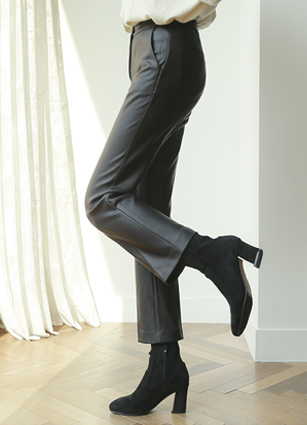 Hepburn coating leather Slacks (S, M, L, XL) <br>