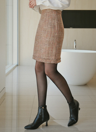 <b><FONT color=#980000>New 7%</font></b> <br> Koi Wool Tweed Skirt (S, M) <br>