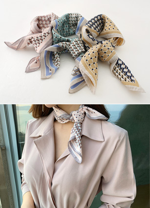 Square Pattern Square Scarf <br>