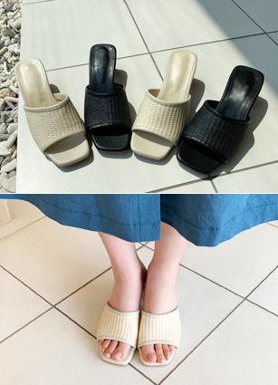 """Simple Ratan Sandals <font color=""""#ed1558""""><b>[Heel:4.5cm]</b> <br></font>"""